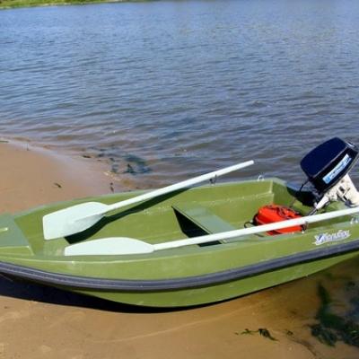 Лодка стеклопластиковая Стелс 270